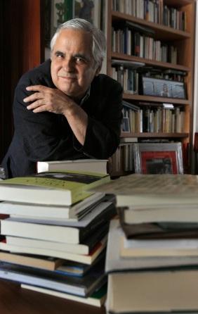 Dvd 327 (06-06-08). Entrevista con Juan Cruz, escritor © Gorka Lejarcegi